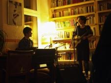 Simon (Perc) und Anna (am U-Bass) Konzert im KaffeeSatz Chemnitz 6. November 2015 | Photo: Jessica